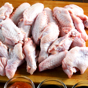 Chicken Wing Split Tip - Raw - Richard's Fine Meats - 260 Lakeshore Road - St Catharines - ON - 289-362-1792